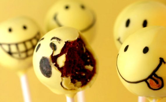 smiley-cake-pop
